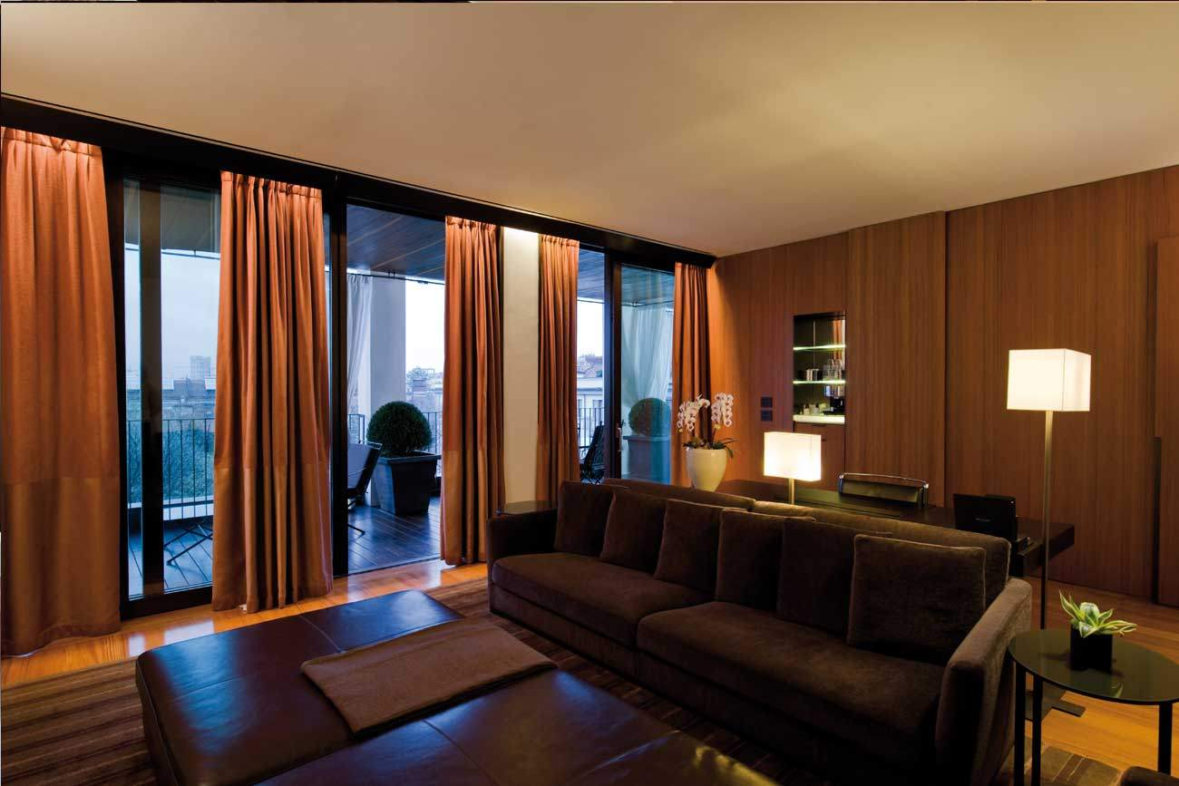 Bulgari Luxury Hotel Milan - lounge suite