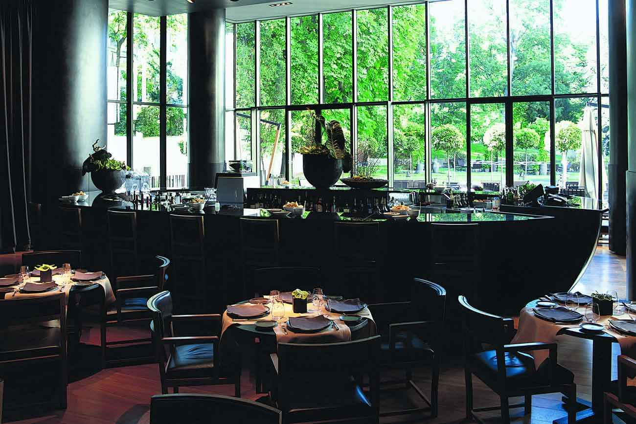 Bulgary Hotel Milan – luxury bar
