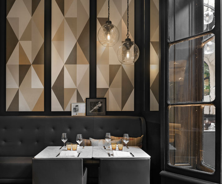 Italian restaurant caf artcurial opens with refreshed for Classic cafe interior designs