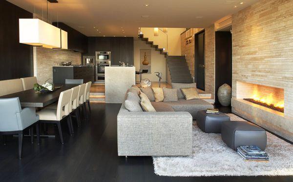 Contemporary Apartment in in Corona del Mar