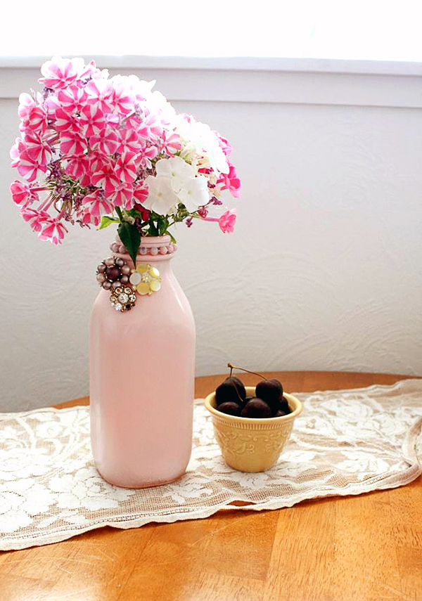 DIY Painted Earring Vase