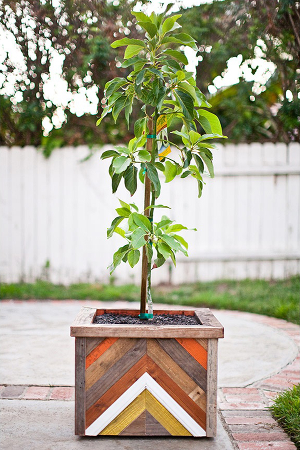 DIY Rustic Chevron Wood Planter