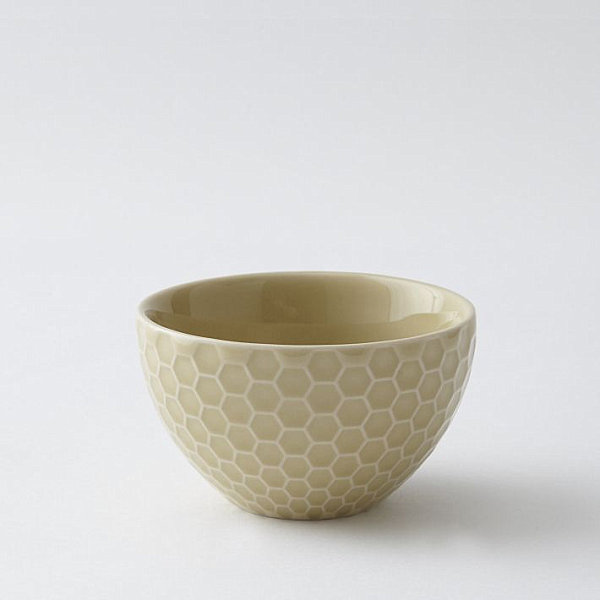 Dip bowl with a honeycomb pattern