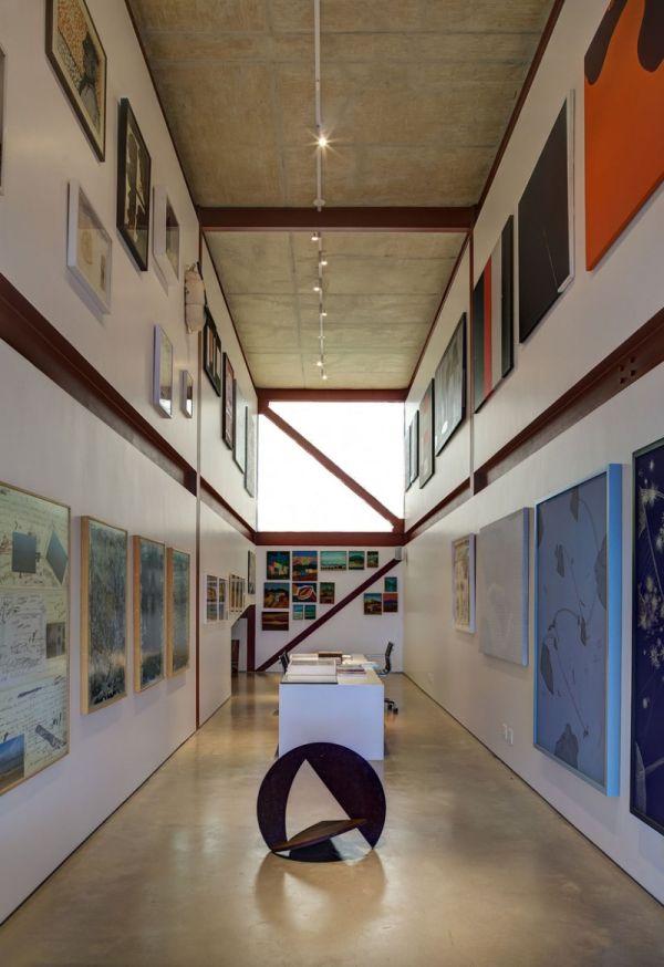 Extensive art gallery of Nova Lima