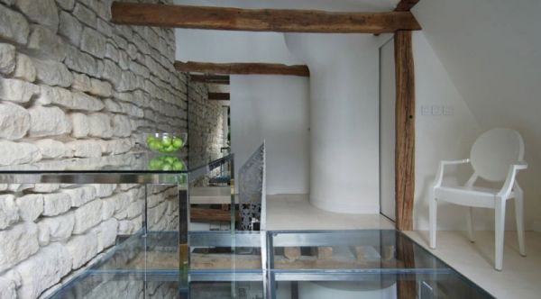 Extensive use of glass offers ample natural ventilation