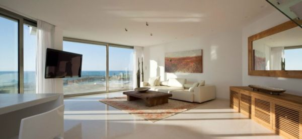 Living space with ample ventilation Apartment KAZ In Israel Combines Work, Play And Awesome Ocean Views!