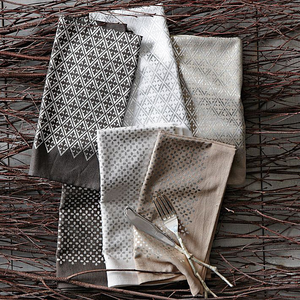 Metallic napkin set