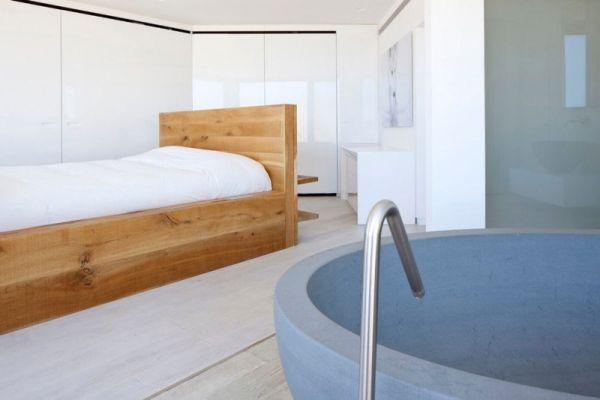 Minimalistic bedroom in white