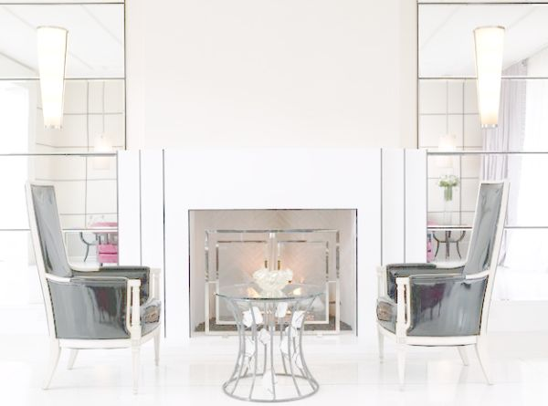 Mirrored surfaces work well within the Regency style