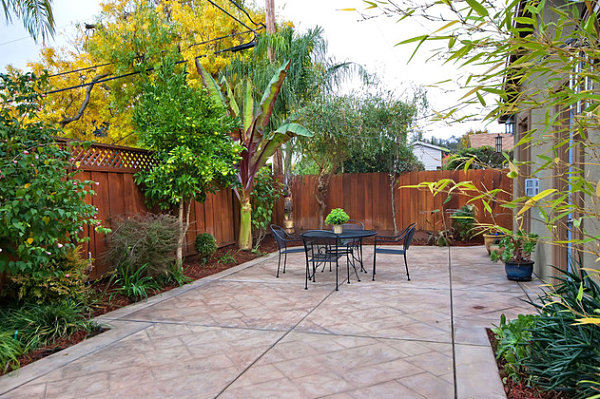 Outdoor patio in a small yard  Decoist