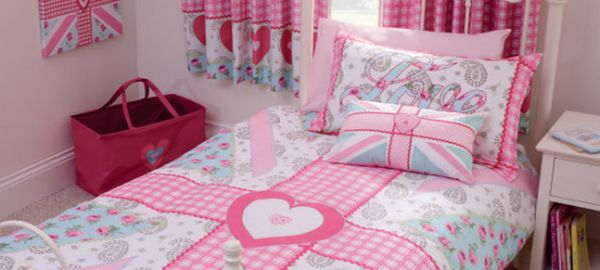 Pillows sporting the Union Jack with a pink twist for girls' bedroom!