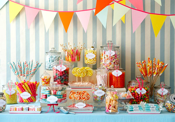 Spring party candy table The 10 Best Spring Party Tables