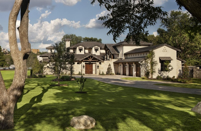 Rustic texas home with modern design and luxury accents for Hill country house plans luxury