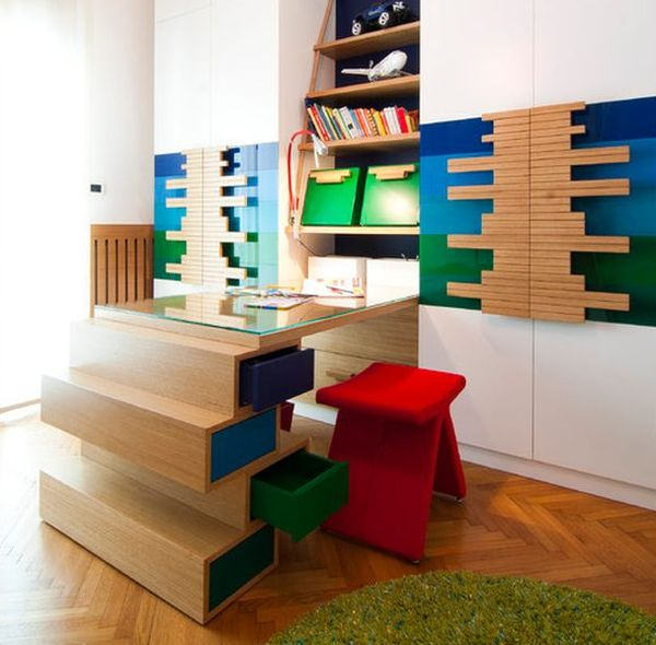 Unusual decor and bright furnishings help in creating a unique kids' workstation