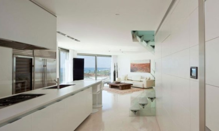 Apartment KAZ In Israel Combines Work, Play And Awesome Ocean Views!