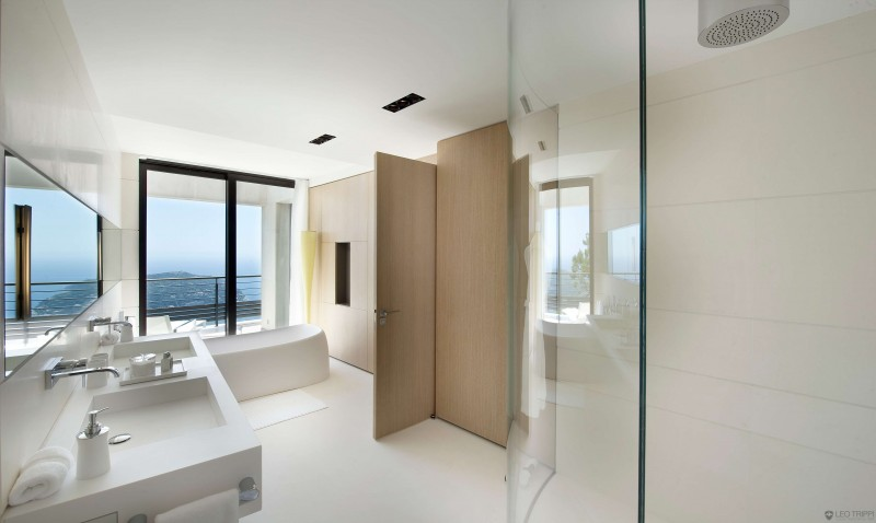 huge sea view bathroom