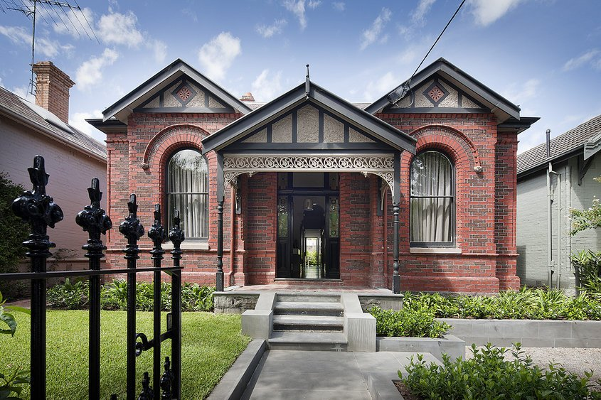 victorian house Colorful Interiors For a Classy Exterior: South Yarra Residence