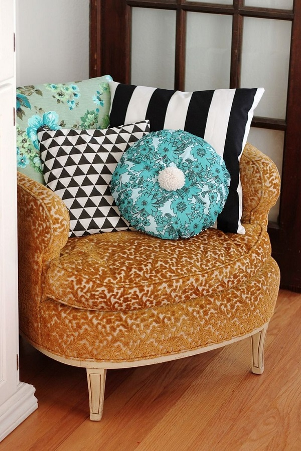 Diy Accent Pillows To Update Your Home