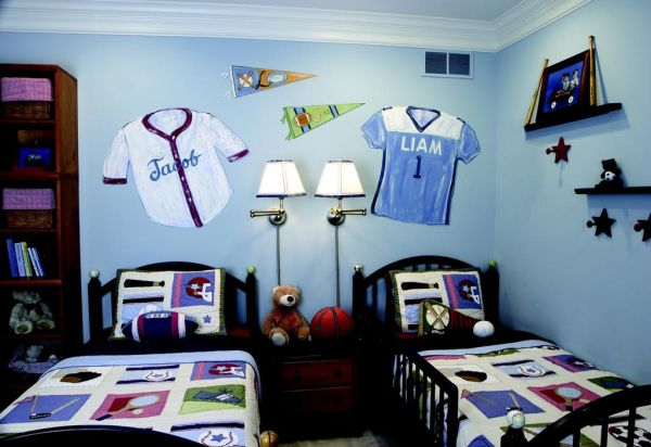 Blue seems like the perfect shade for sports themed bedrooms for kids