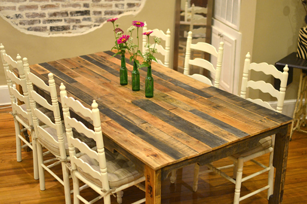 View in gallery DIY Shipping Pallet Dining Table - 11 DIY Dining Tables To Dine In Style