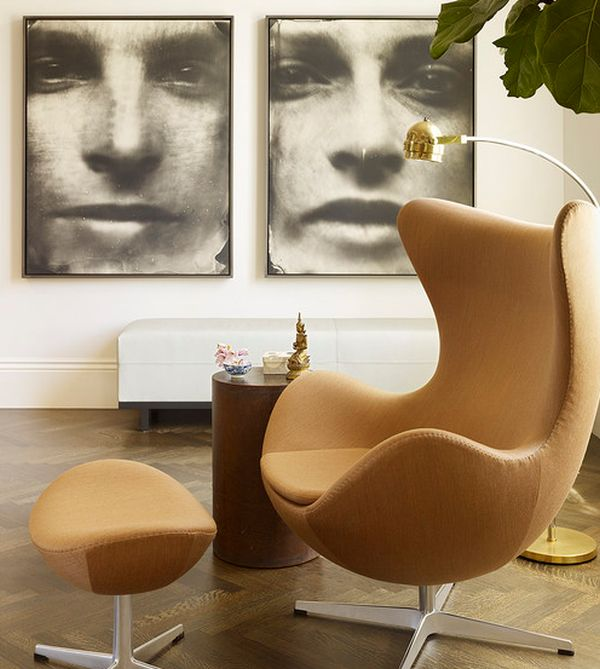 Elegant floor lamp next to the Egg chair creates a cool and ergonomic sitting area