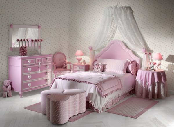 Elegant heart themed girls' bedroom in shades of pink that are easy on the eyes