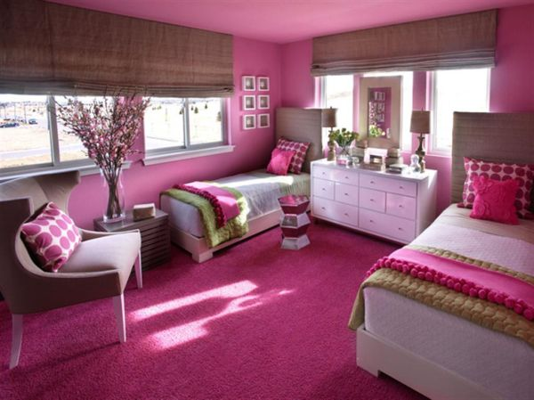 Girls' bedroom idea for those who love an overdose of pink!