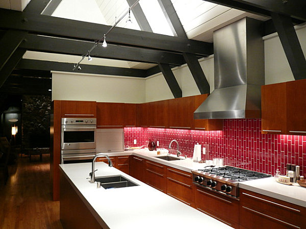 Glossy red kitchen backsplash