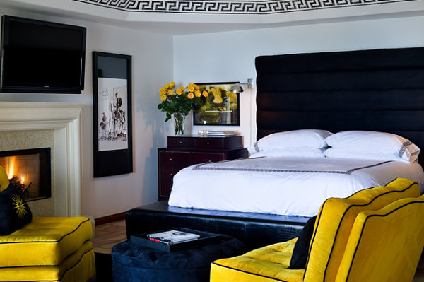 Midnight blue and yellow-gold bedroom