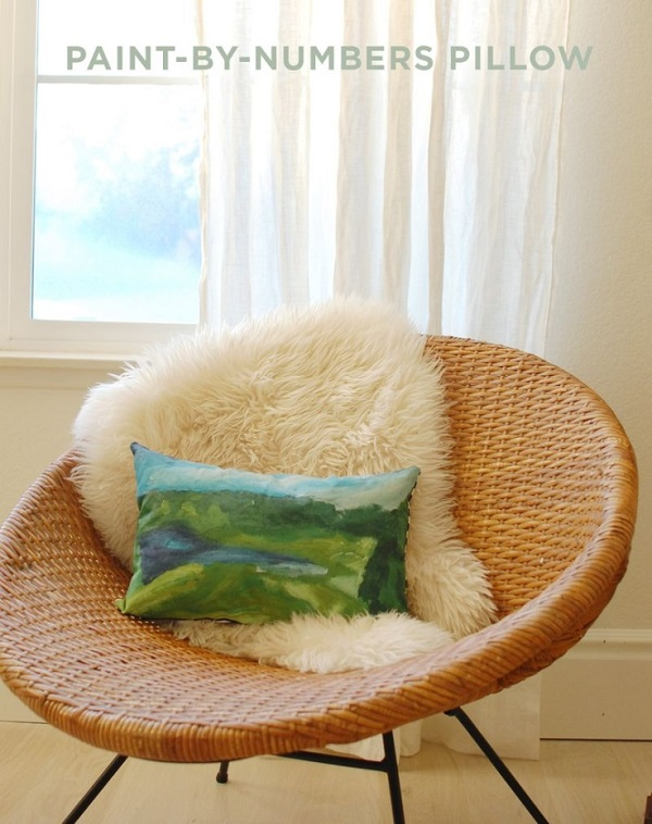 Paint by number accent pillow DIY