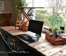 Repurposed wood pallet computer desk