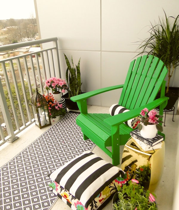 Small balcony makeover DIY from Home Depot