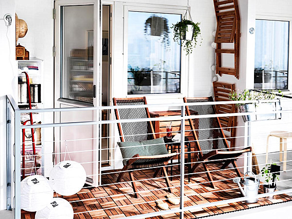 Small balcony that maximizes space
