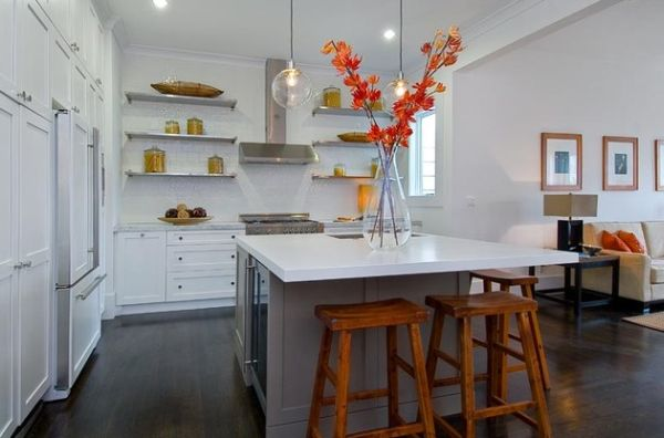 Sometimes nature can bring along with it gentle orange tones that are perfect for the kitchen