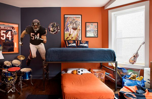 Sports-themed kids' bedroom in blue and orange