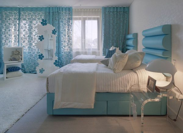 White and blue is a popular color scheme for bedrooms