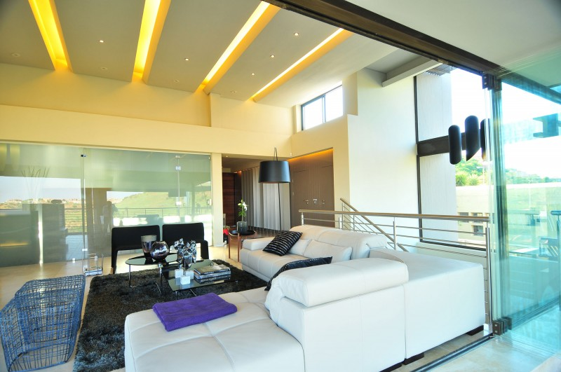 View In Gallery Luxurious Living Room