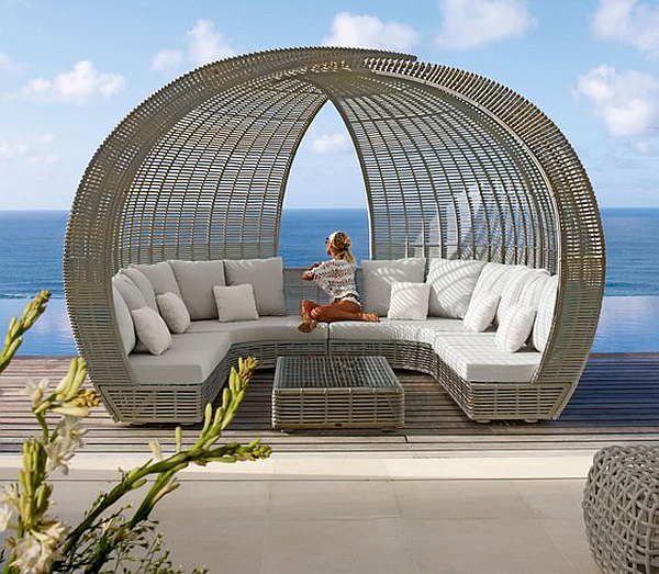 Spartan shade and iglu luxury lounge daybeds from skyline design for Mobilier de jardin