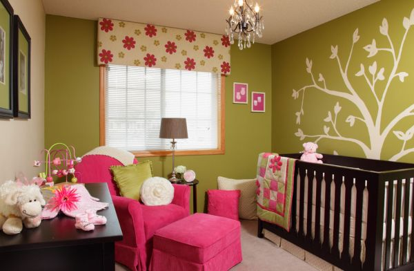 Bright floral print fabric in fuchsia seems like an ideal match for the kids' nursery