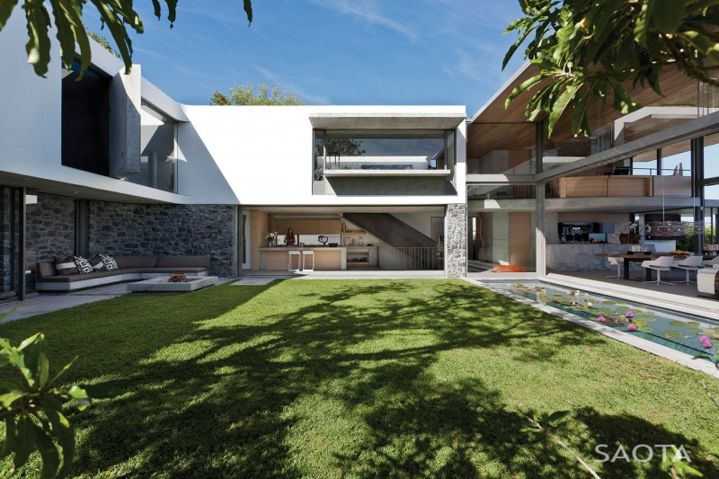 Cape Town lavish home Opulent Bantry Bay Residence in Cape Town Offers Spectacular Ocean Views
