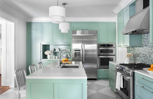 Contemporary kitchen draped in Aquamarine - A lighter side of turquoise