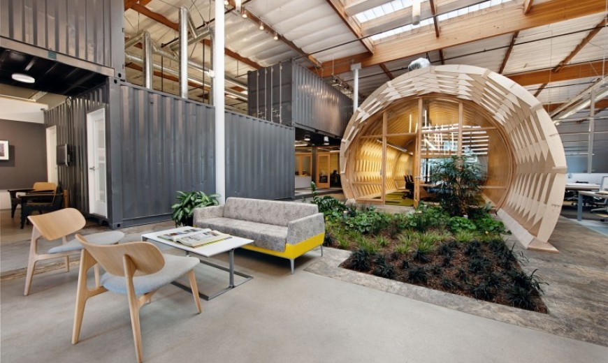 Superb Contemporary Office Space In California Blends Creativity With Indoor Green!