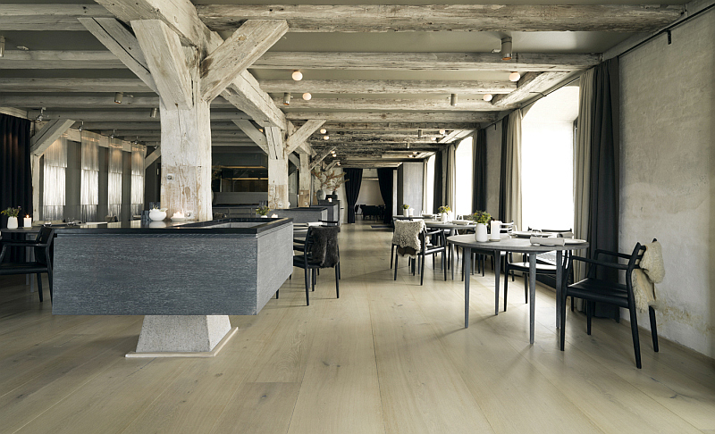 Dinesen HeartOak - restaurant wooden floors