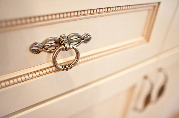 Embellished drawer pull