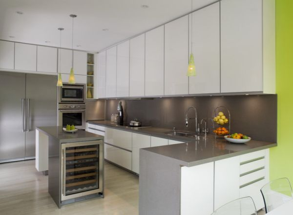 Ergonomic kitchen in gray with stylish pops of green