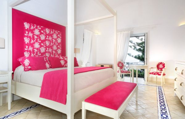Fabulous girls' bedroom in fuchsia and white- Pink with a hot twist!