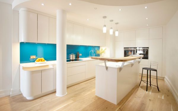 Glossy turquoise glass backsplash for the contemporary kitchen