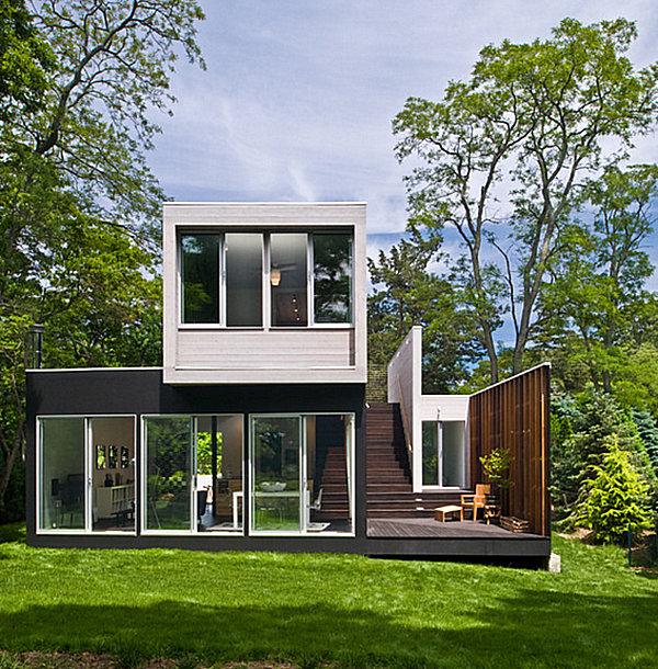 Lawn of a modern New York home