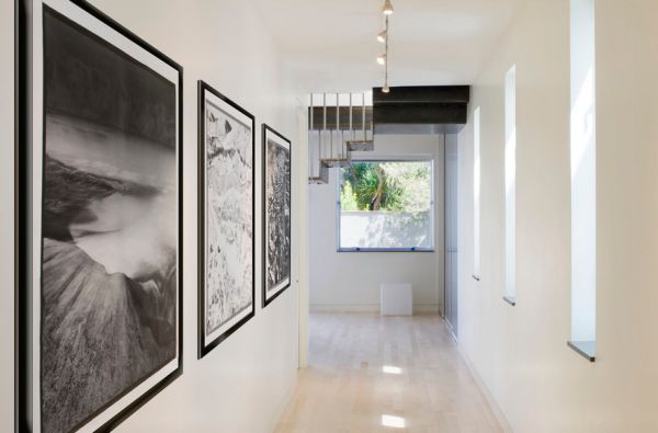 Long corridors in white bring home an art gallery atmosphere!