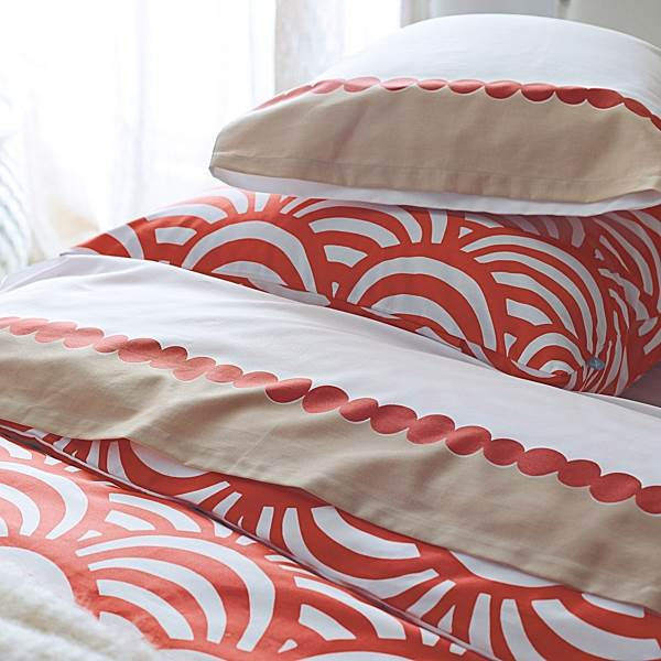 Modern Deco-style bedding